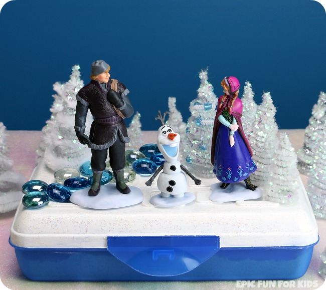 """Olaf's Summer Dream: a portable, two-level small world and sensory bin inspired by """"In Summer"""" from Disney's FROZEN."""